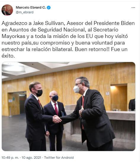La nota es sobre las acciones coordinadas de México y Estados Unidos para mejorar los servicios de inmigración y abordar la crisis en la frontera. La imagen muestra las declaraciones vía Twitter del Secretario de Relaciones Exteriores de México Marcelo Ebrard.