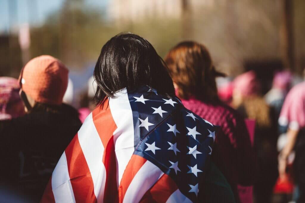 Nota sobre los errores que hay que evitar al solicitar una tarjeta verde en los Estados Unidos. La imagen es ilustrativa.