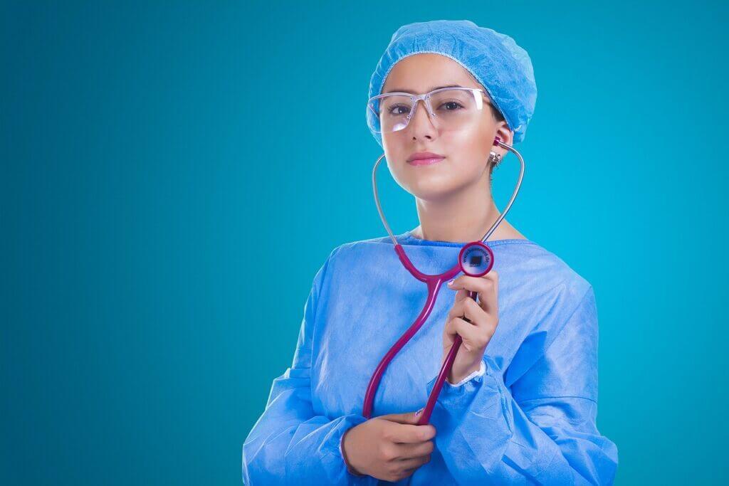 woman, doctor, surgeon-2141808.jpg