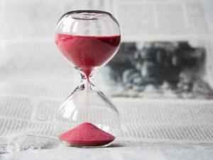 La nota es sobre consejos para acelerar el tiempo de procesamiento de USCIS mediante los congresistas. La foto es ilustrativa.