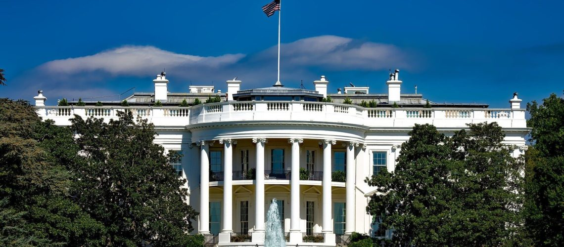 En esta nota informamos sobre la reunión que mantendrá el presidente Biden con 6 beneficiarios del programa DACA. La imagen es una foto de la Casa Blanca.